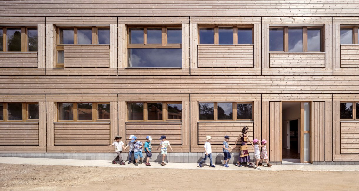 Waldorf-Steiner-El-Til·ler-School-wood-structure-4