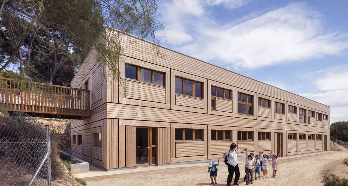Waldorf-Steiner-El-Til·ler-School-wood-structure-6