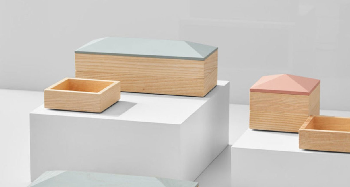 Wooden-Accessory-container-4