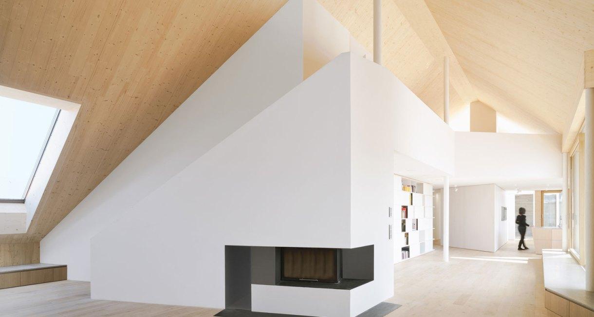 Roof-Extension-Maxvorstadt-Pool-Leber-Architekten-wooden-interior-5