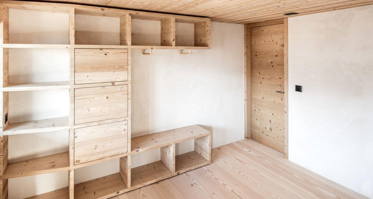 Wooden-Refurbishment-Holiday-Home-dolmus-Architekten-house-design-6