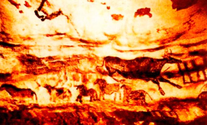 Пештерна уметност, Ласко, Франција, околу 13.000 глред н.е. Говедо во скок и група на мали коњи биле насликани со црвен и жолт окер, издувани со трска на ѕидот или помешани со животинска маст и така нанесени. Се мисли дека праисториските ловци сликале со цел да добијат магијска сила која ќе им осигура успешен лов.