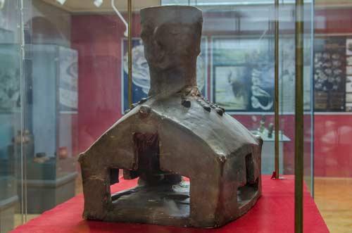 Жртвеник - модел на куќа