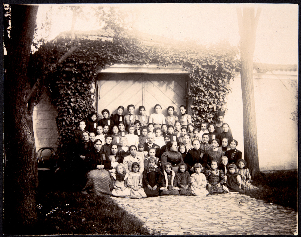 School girls with Dr. and Mrs.Clark,1902