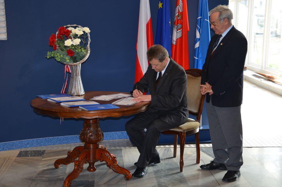 Podpisanie umowy z ZG SSLW RP - 3