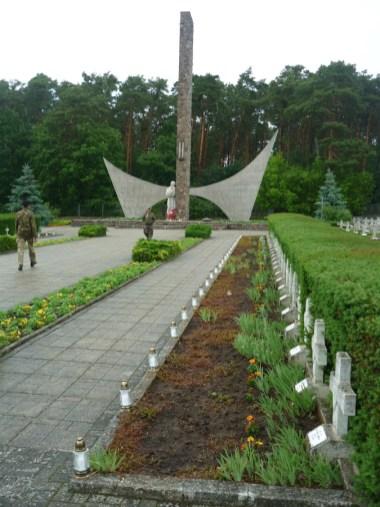 Cmentarz wojenny w Siekierkach