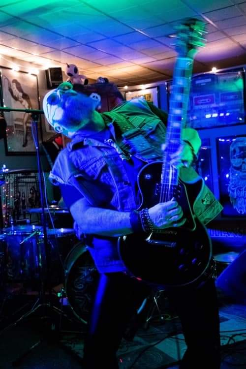 Interview with Guitarist, singer, and songwriter Robbie Chambers
