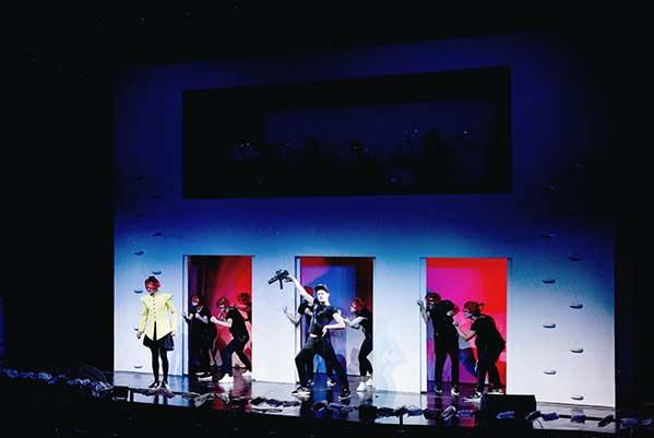 «Кандид» от учеников Брусникина: трэш-опера в формате видеоигры