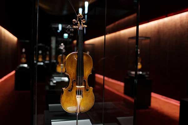 Научное исследование показало: современные скрипки звучат так же хорошо, как и старые итальянские раритеты