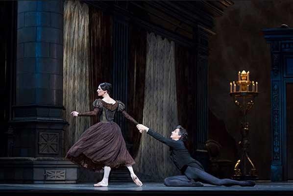 """Когда автор умной книги — ученая танцовщица. «Балет """"Онегин"""" Джона Кранко» Дарьи Хохловой"""