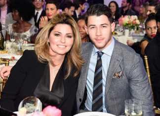 Nick Jonas świątecznie z Shania Twain (Say All You Want for Christmas)
