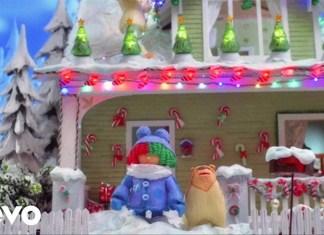 Sia w uroczym świątecznym teledysku Candy Cane Lane