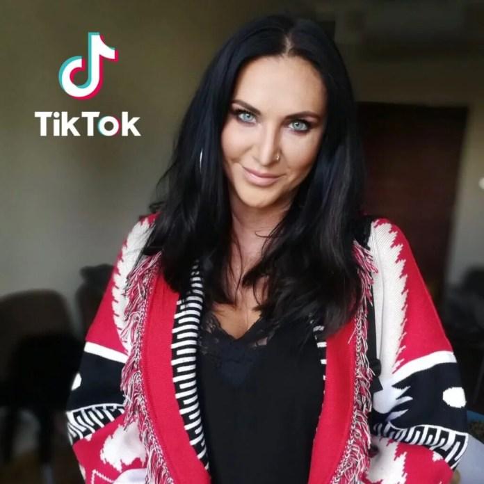 Kayah z przytupem wchodzi na TikTok'a wyzwaniem #prawydolewego
