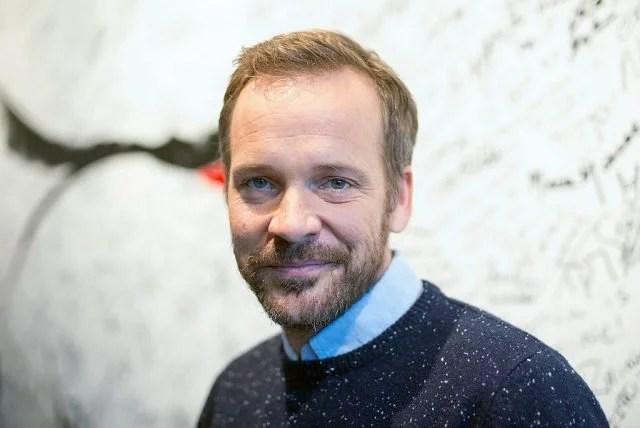 Peter Sarsgaard w