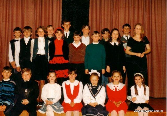 """12 maja 1995r. Koncert uczniowski - Kino """"Skarb"""" w Tyczynie"""