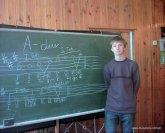 2004 rok – Karol Walicki na zajęciach kształcenia słuchu.