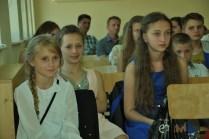 14 - Uczestniczki popisu