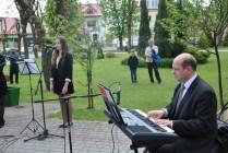 Występ uczniów NSM I st. w Sokołowie Małopolskim z okazji uroczystości 3-go Maja 11072812_833040376786046_4737966491943652386_n