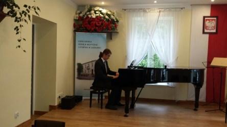 Koncert końcoworoczny uczniów NSM I i II stopnia w Leżajsku_18