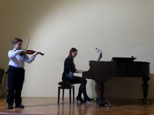 VI Przegląd Szkół Muzycznych (24-04-2016)_209