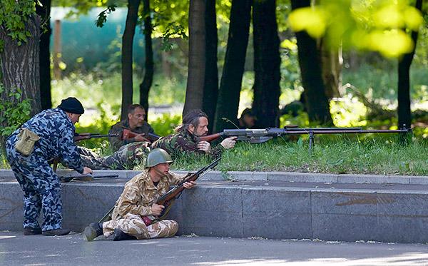 5 Donetsk Donbass Ukraine Kadyrovtsy gunmen terrorist Кто терроризирует Донецк?