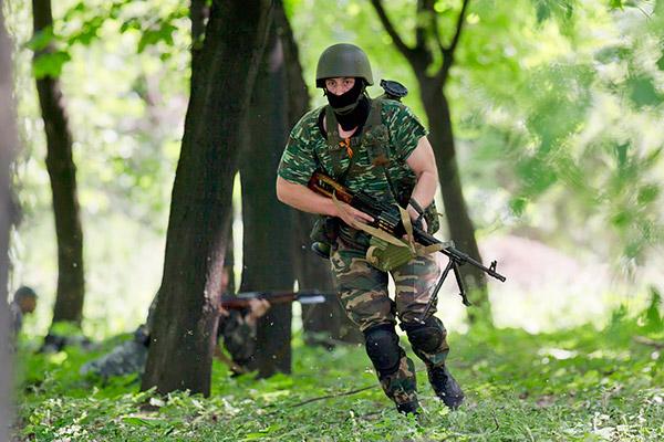 9 Donetsk Donbass Ukraine Kadyrovtsy gunmen terrorist Кто терроризирует Донецк?
