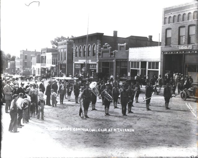 photo of Cedar Rapids Commercial Club on Main Street