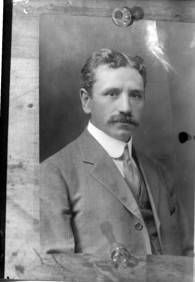 photo of Possible Cornell Faculty @ 1915