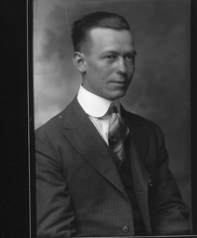 photo of Unidentified Cornell Student-1910