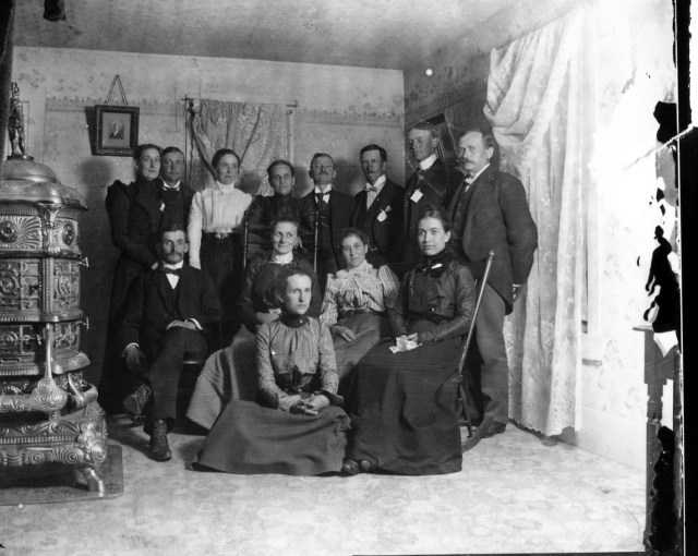 photo of Unidentified Group of People-1905