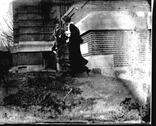 photo of Unidentified Women-1910