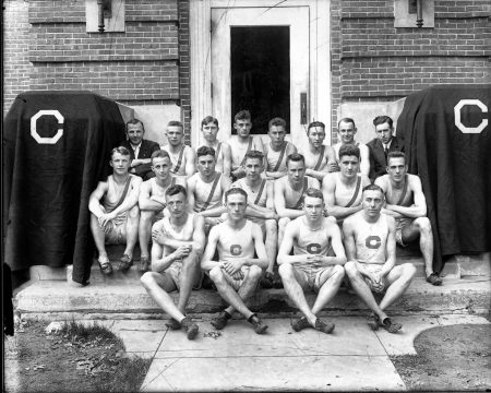 photo of Varsity Track & Field Team