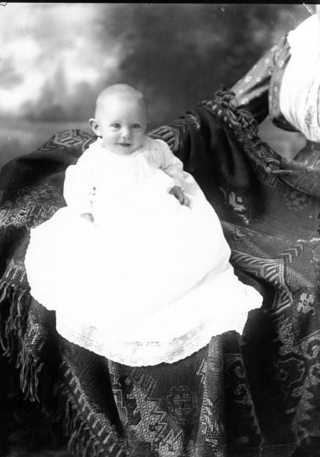 photo of Unidentified Child-1915