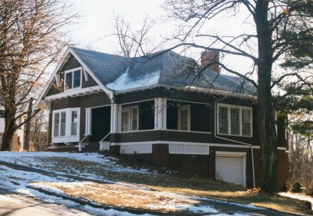 photo of 906 Summit Avenue