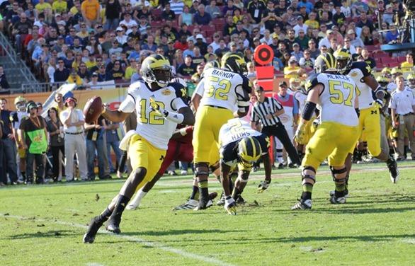 Devin Gardner Rolls out - 2013 Outback Bowl