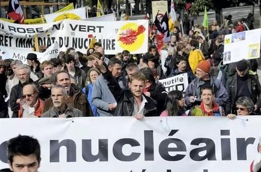 À Laval, ce samedi, pour le grand rassemblement des antinucléaires du Grand ouest, ils étaient 2300 selon la police et 4000, selon les organisateurs. Joël Le Gall