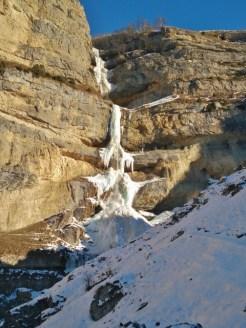 frozen-laza-waterfall