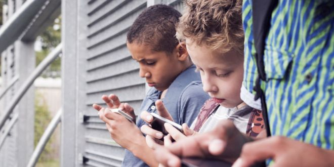 This French Middle School Banned Mobile Phones 4 Years Ago. Should U.S. Schools Follow Suit?