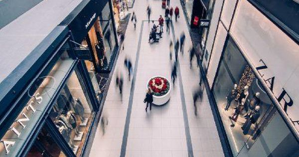 How Retail Is Utilizing Technology To Keep Up With E-Commerce – Forbes