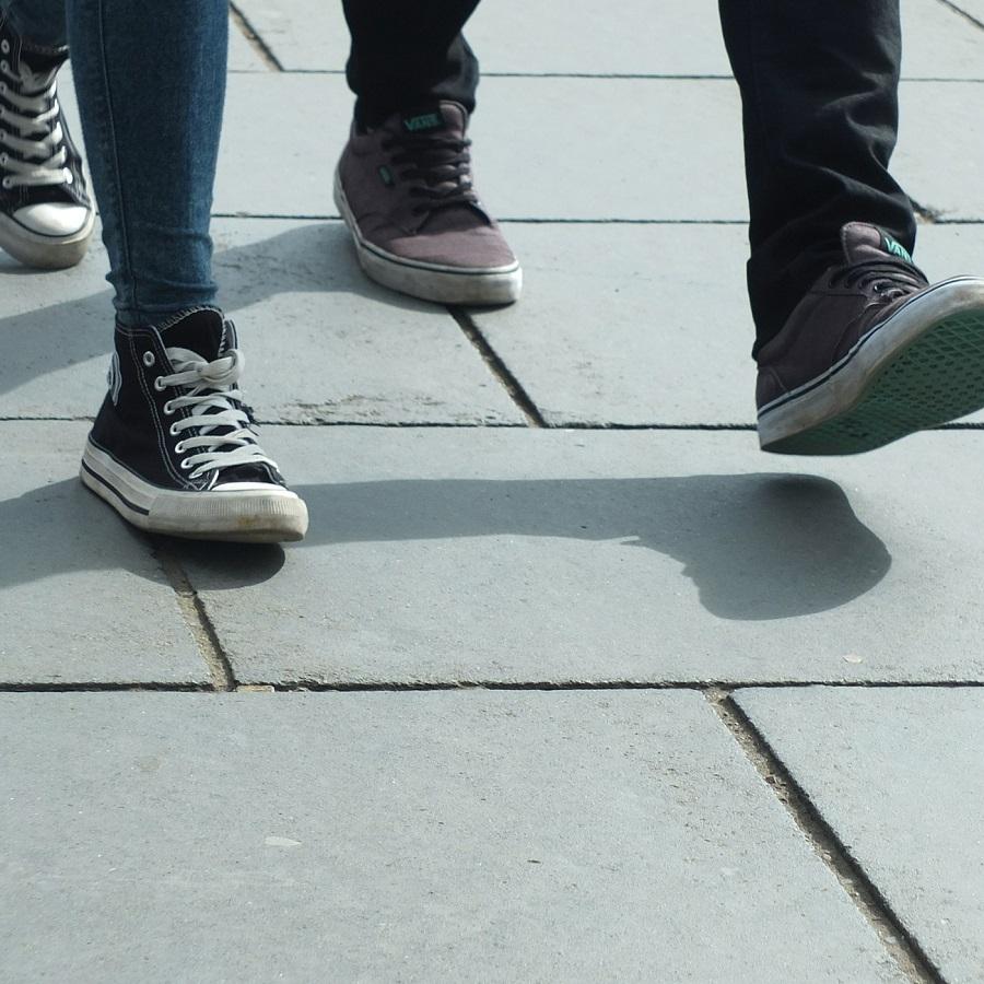 walking-454543_1920
