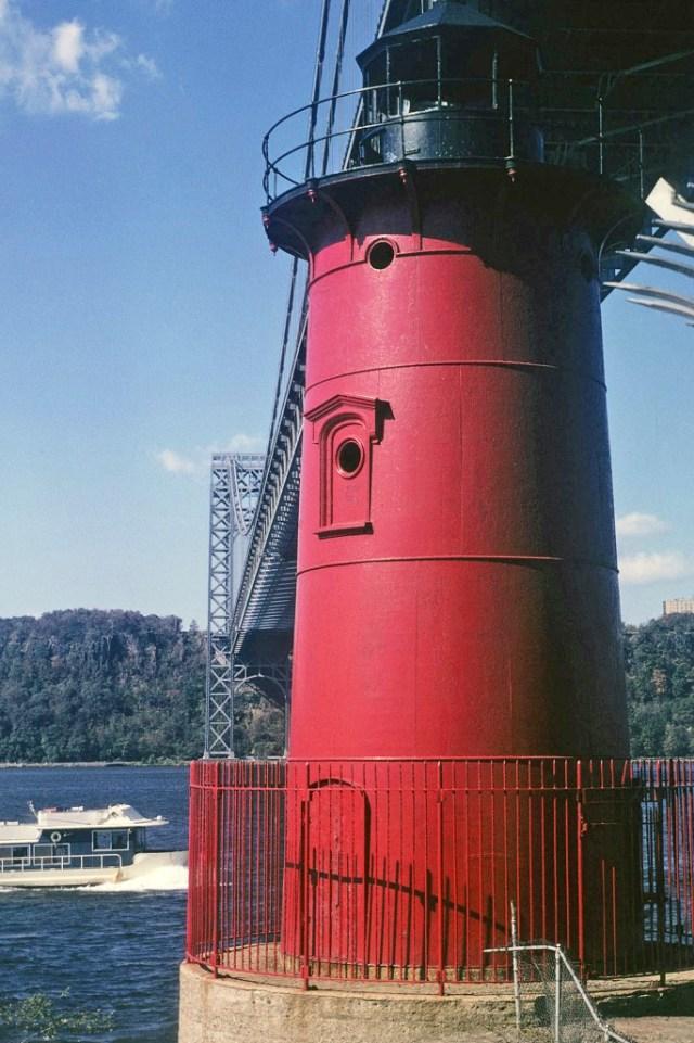 12.010      9-00-69     New York City, George Washington Bridge and Little red lighthouse_edited-1