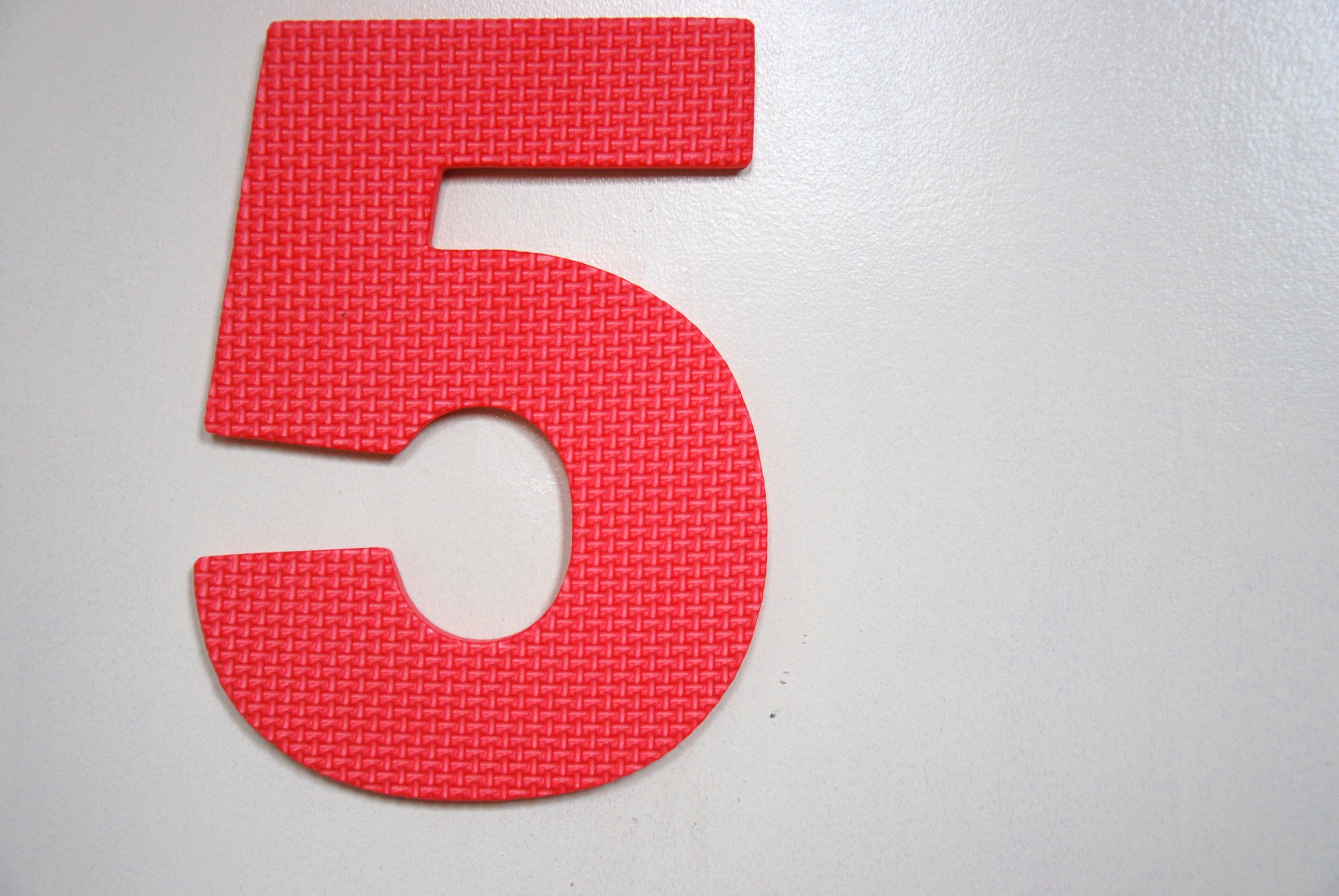 Die Fünf