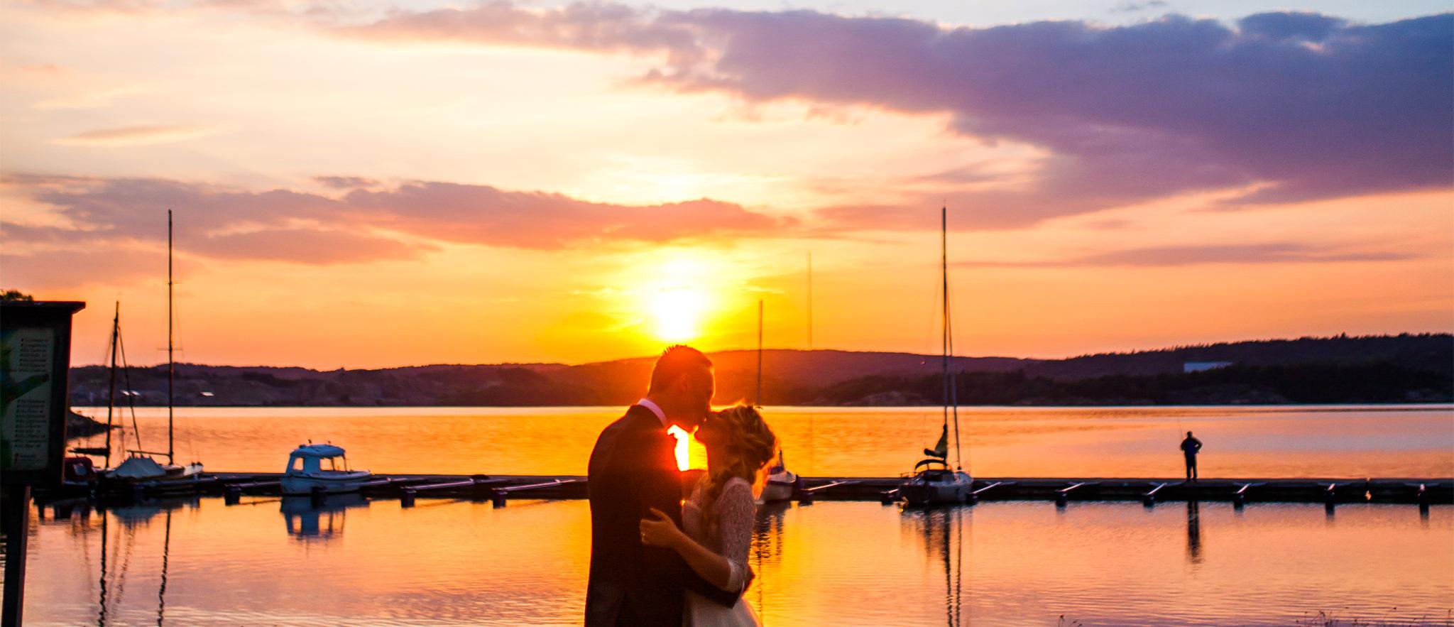 Bröllopsfotografering i solnedgång