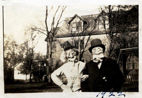 vintage-halloween-post