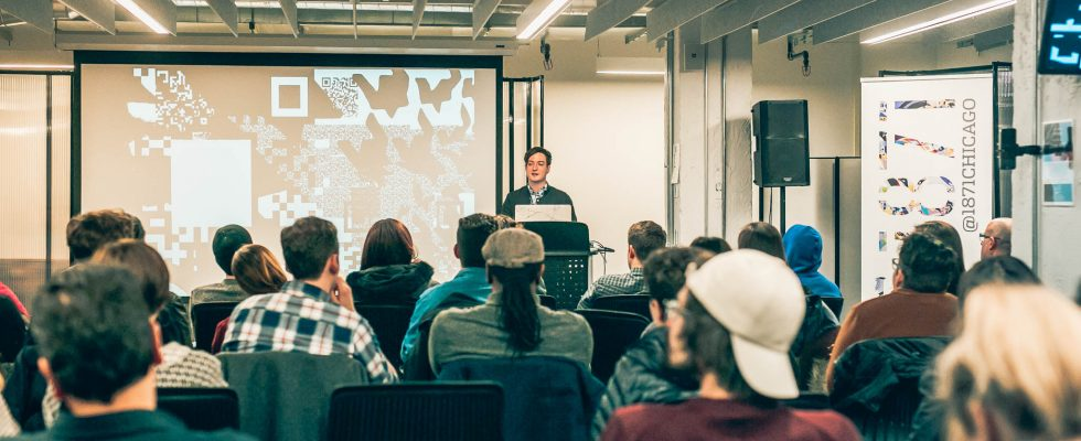 Dreambait New Media Artist Vincent Naples speaking at Midwest Immersive Technology Meetup