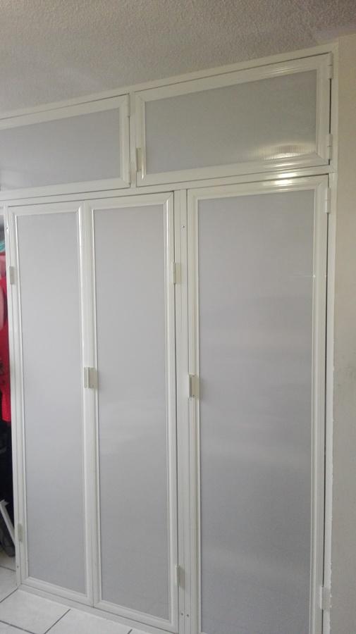 Foto Closet De Aluminio Y Tablaroca De Bereli Diseo En