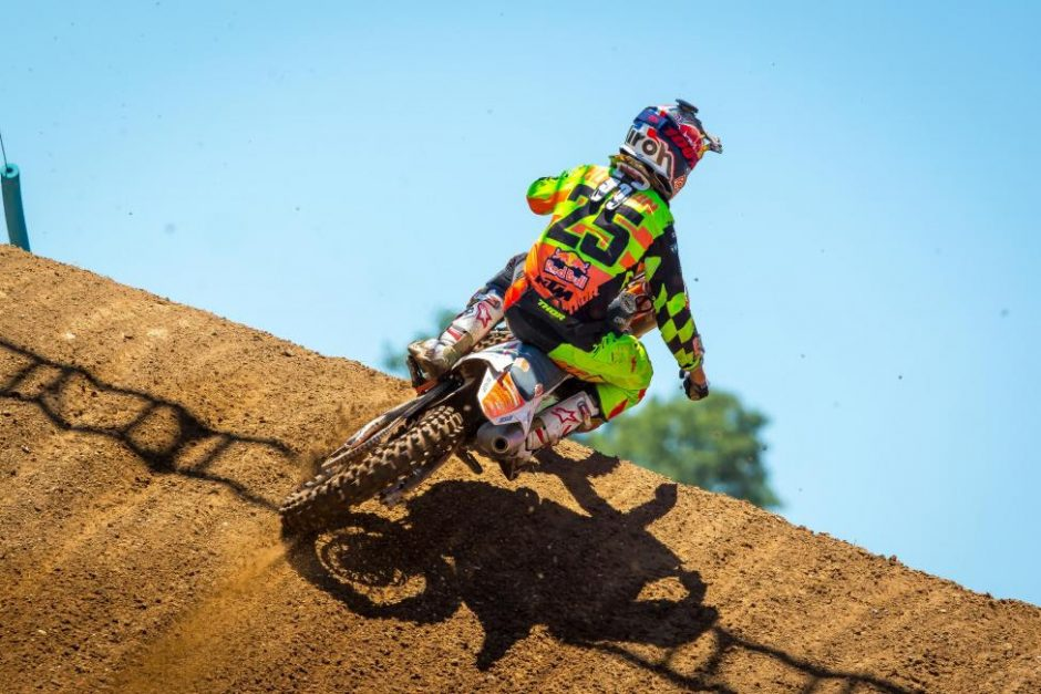 Marvin Musquin captured his second straight overall victory (2-1) and took possession of the red plate.