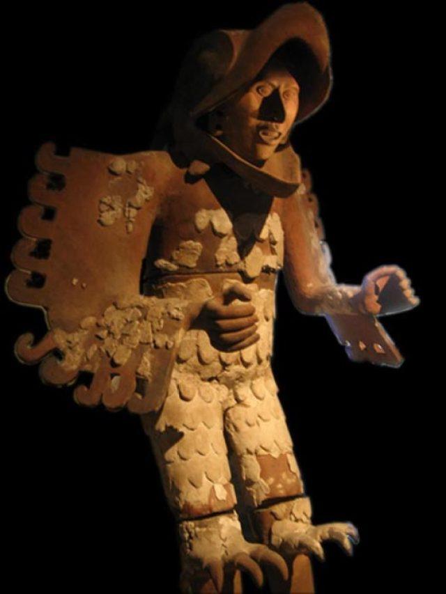EXPOSICIONES PARA VER EN FEBRERO EN LA CDMX aztec eagle warriors a statue of an eagle warrior found during excavation of the templo mayor of tenochtitlan aztec eagle warrior civ 6 strategy