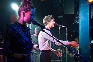 De schweiziske musikfans dansede til Vinnie Who's disco-pop.