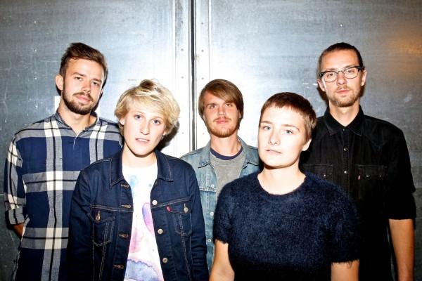 Lowly - fem konservatorie-studerende fra Aarhus med internationale ambitioner